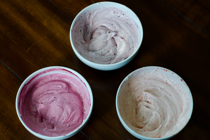 blackberry blueberry strawberry frosting